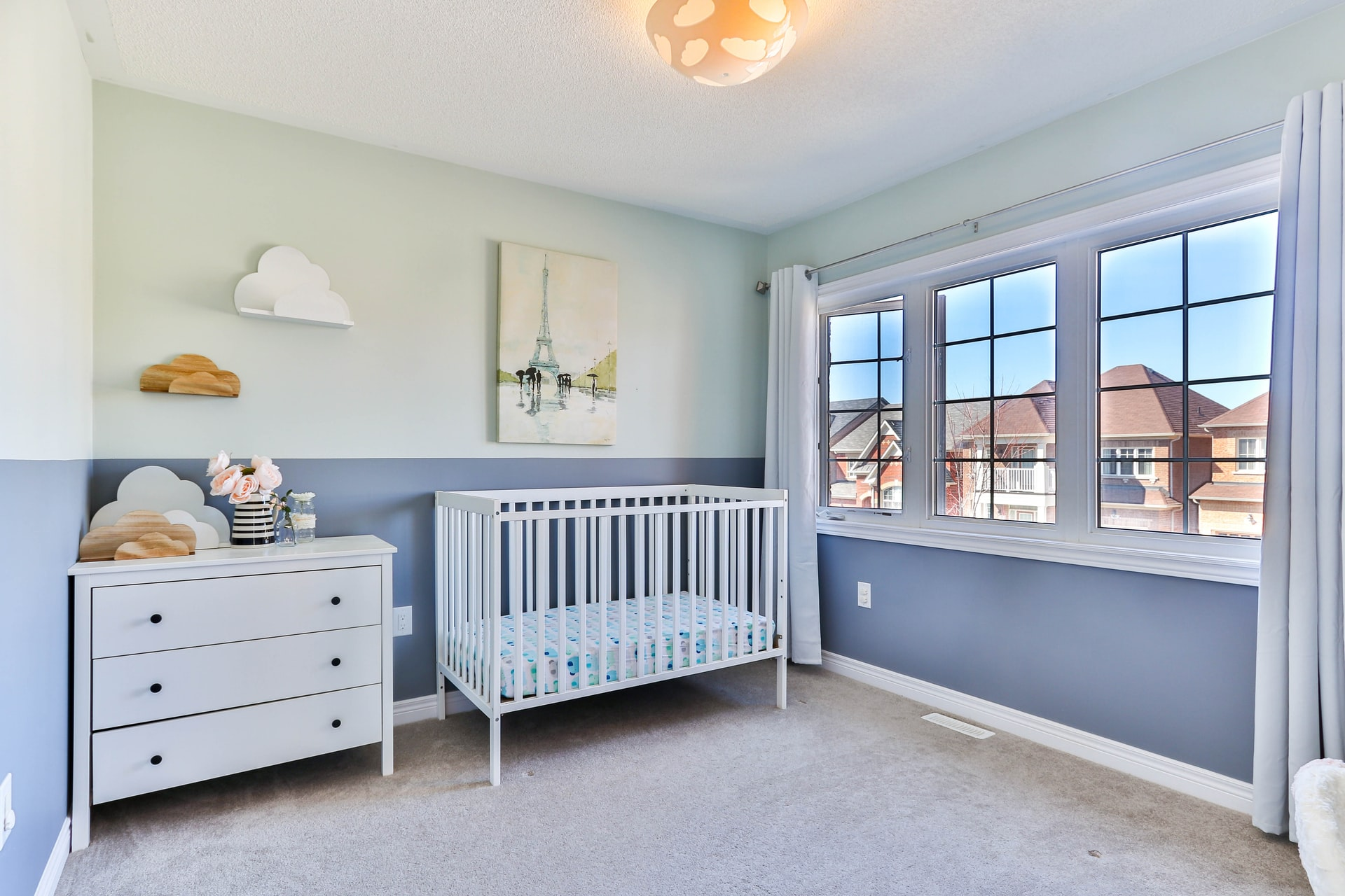 How to clean the air in your home for your child